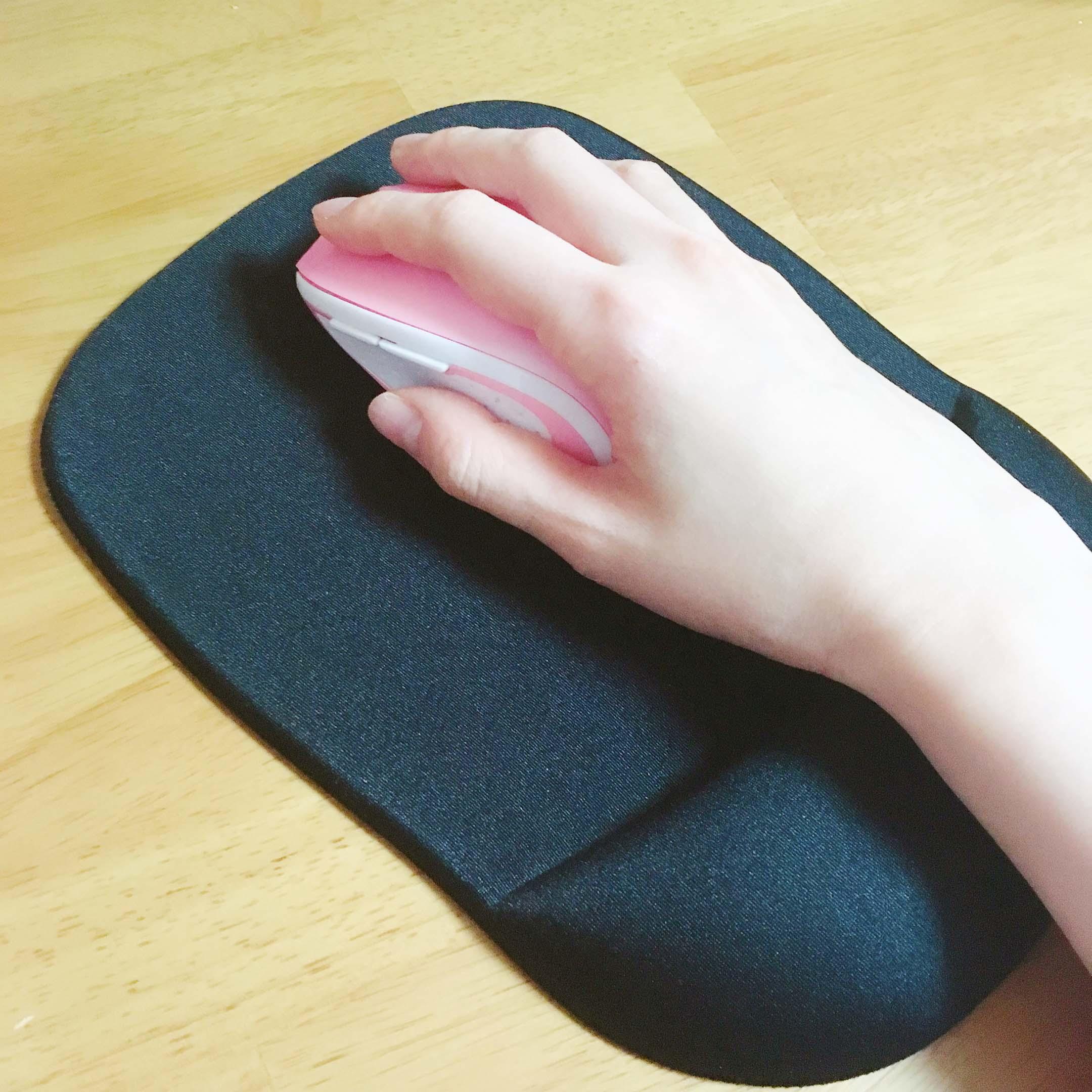 手首の負担を和らげる方法 リストレストを使う